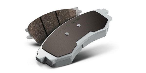 Замена передних тормозных колодок на RAV4 3-го поколения