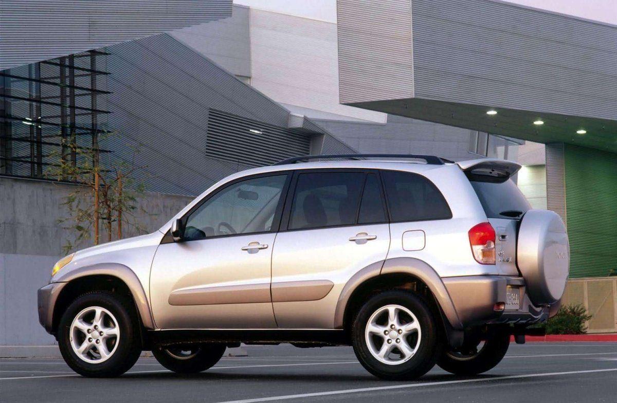 Toyota RAV4 второго поколения, есть ли смысл такой покупки?