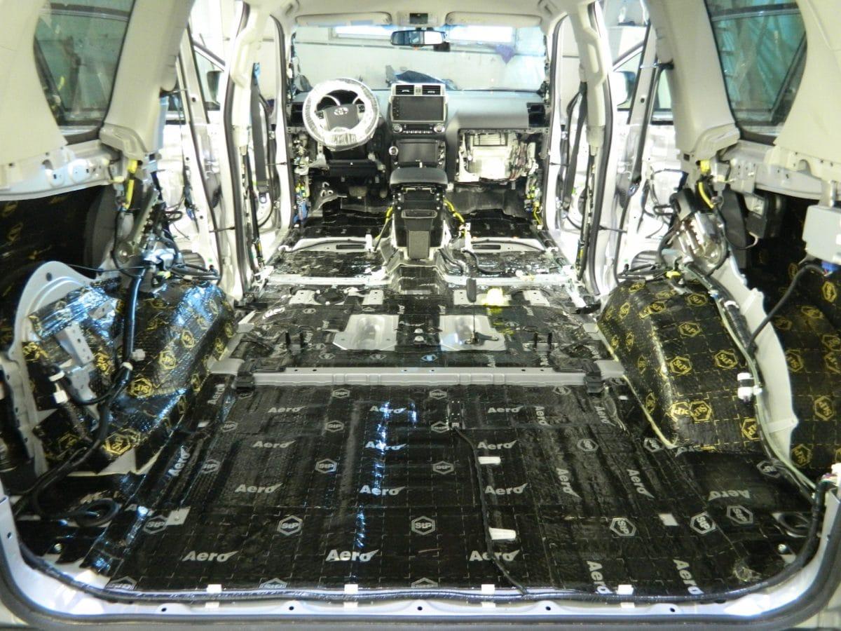 Зачем нужна и как установить шумоизоляцию в своём авто