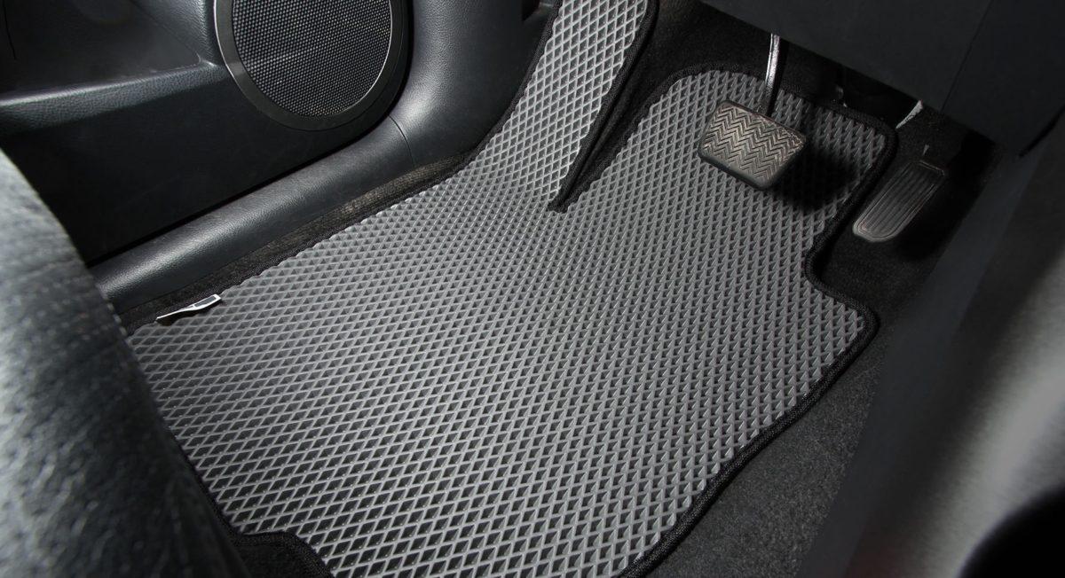 Автомобильные коврики. Классификация по материалу и свойствам