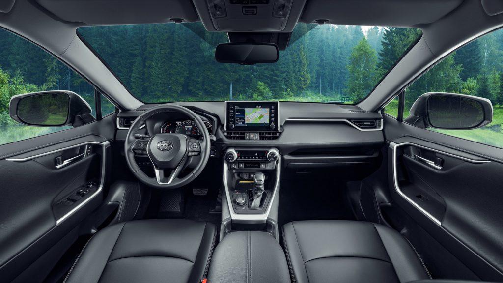 Новый RAV4 5 поколения (2019) - интерьер передняя часть