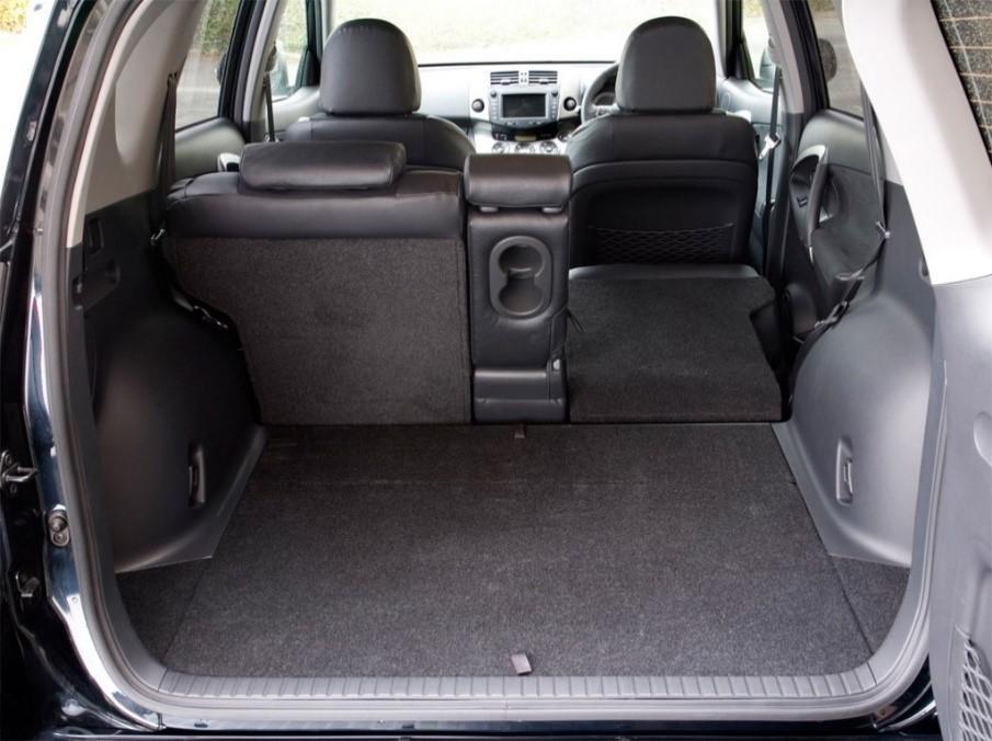 Отзыв о РАВ4 III поколения - багажник