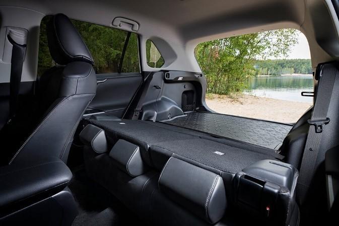 RAV4 5 поколение отзыв - багажник разложенный